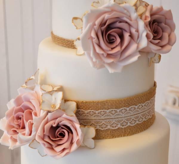 Cake Decorating Course Midlands : Wedding Cakes Birmingham